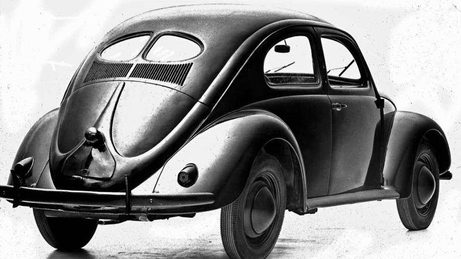 Fusca: o modelo 1946, com minúsculas janelas traseiras, é o clássico. Pode custar 38.000 dólares.