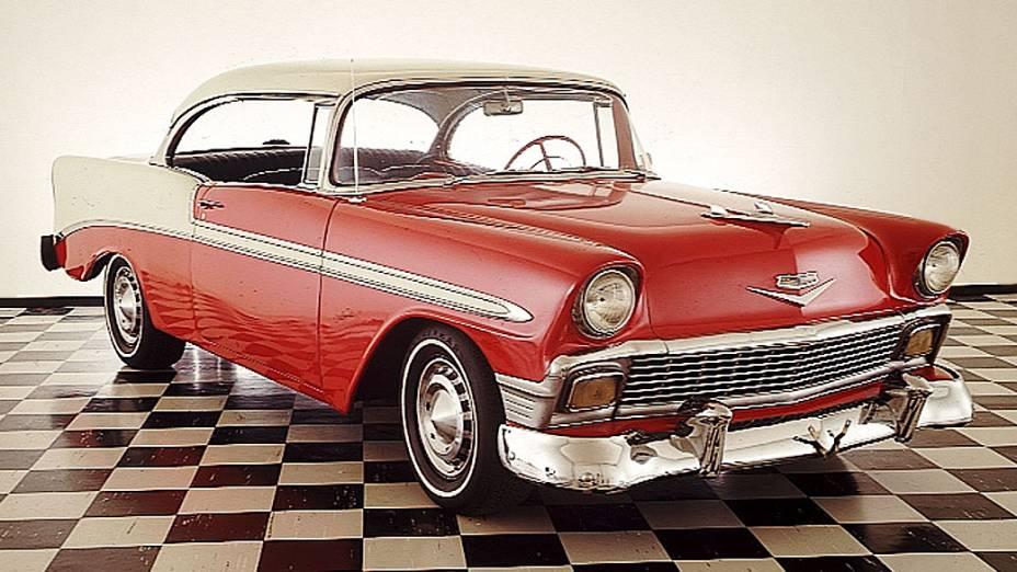 Chevrolet Bel Air: um dos marcos americanos dos automóveis, grandão, beberrão, mas cheio de estilo e com motores V8 sob o capô. O modelo 1957 é avaliado em mais de 115.000 dólares