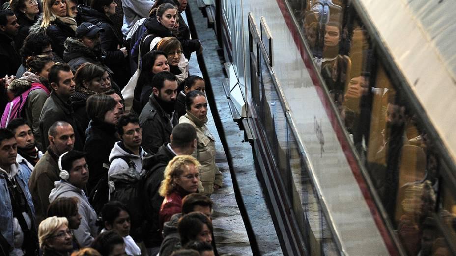 Trabalhadores aderiram a greves no sul da Europa, nesta quarta-feira, em protesto contra os cortes de gastos e aumentos de impostos
