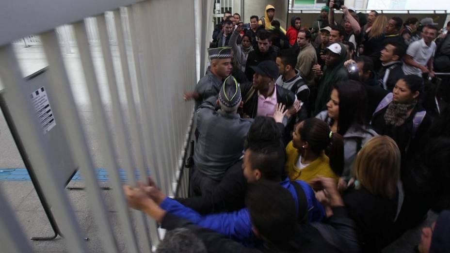 Tumulto na estação Corinthians-Itaquera da CPTM, na Zona Leste de São Paulo