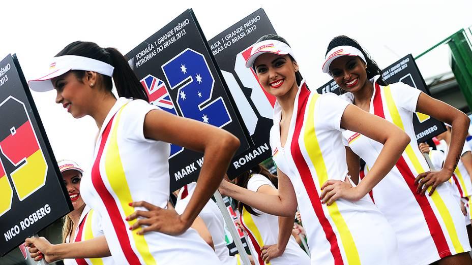 Mulheres no grid de largada no circuito de Interlagos, em São Paulo