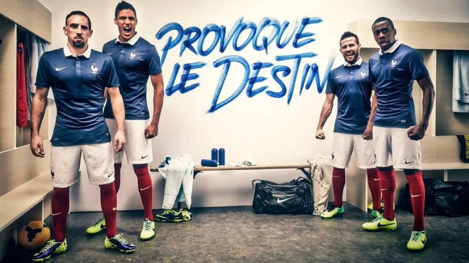 A peça promocional que lançou o uniforme da França para a Copa, criado pela Nike
