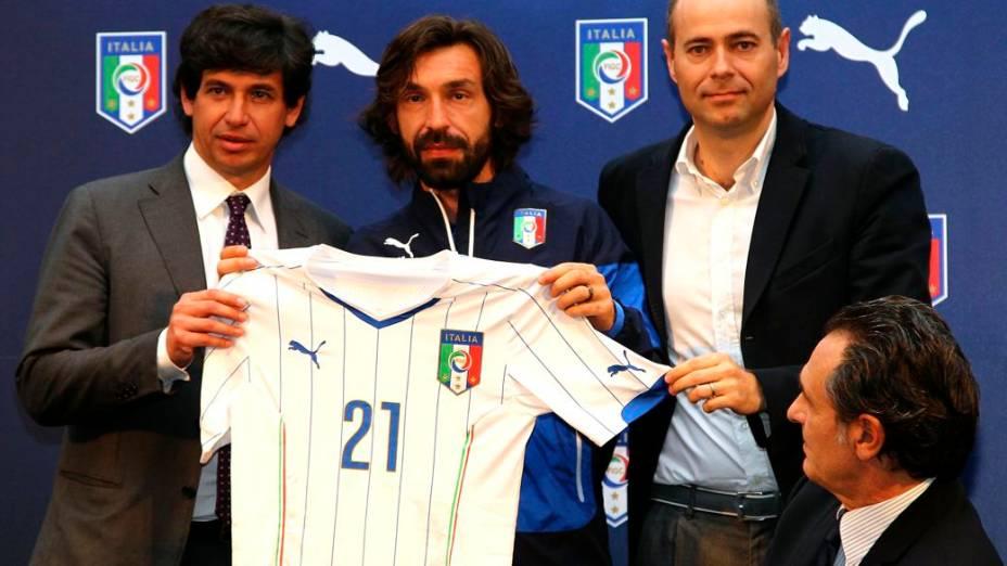 Lançamento da camisa da Itália, principal seleção patrocinada pela Puma, terceira colocada no mercado dos artigos para futebol