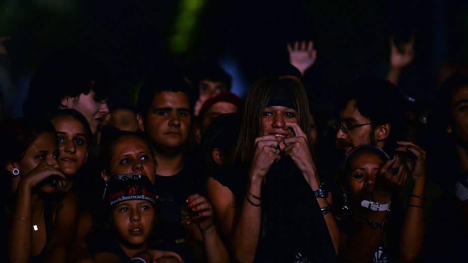 Público no show do Guns N Roses no Anhembi, em São Paulo