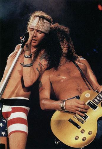 A banda tocou no Brasil em 1992 e em 2001, no Rock in Rio 3, bateu recorde de público - 250.000 pessoas.