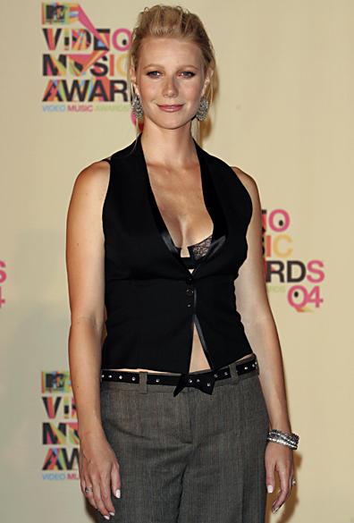 <br><br>  Gwyneth Paltrow durante o MTV Video Music Awards de 2004 na American Airlines Arena, em Miami, Flórida