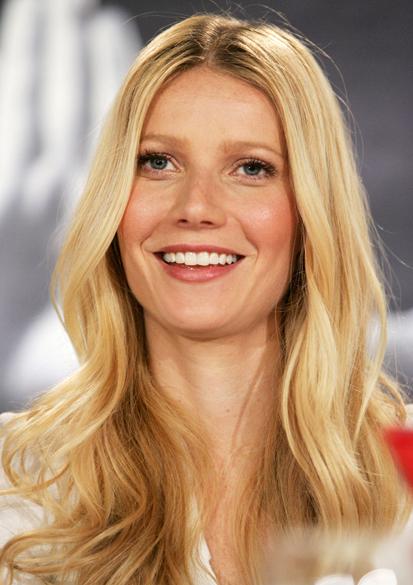 """Gwyneth Paltrow participa de uma coletiva de imprensa para o filme """"Proof"""" em Toronto, Canadá no ano de 2005"""