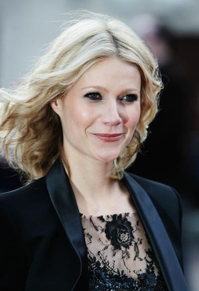 """Gwyneth Paltrow participa de evento do filme """"Homem de Ferro"""", no Odeon Leicester Square em Londres, no ano de 2008"""