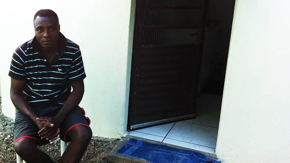 O haitiano Nicolas Antoine, de 38 anos, está no Brasil há dois anos e trabalha na Sadia, em Chapecó (SC)
