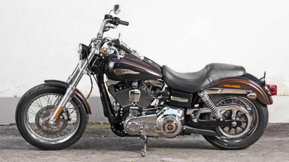 Harley-Davidson Dyna Super Glide 2013: motor de 1.690 cc e câmbio de seis velocidades