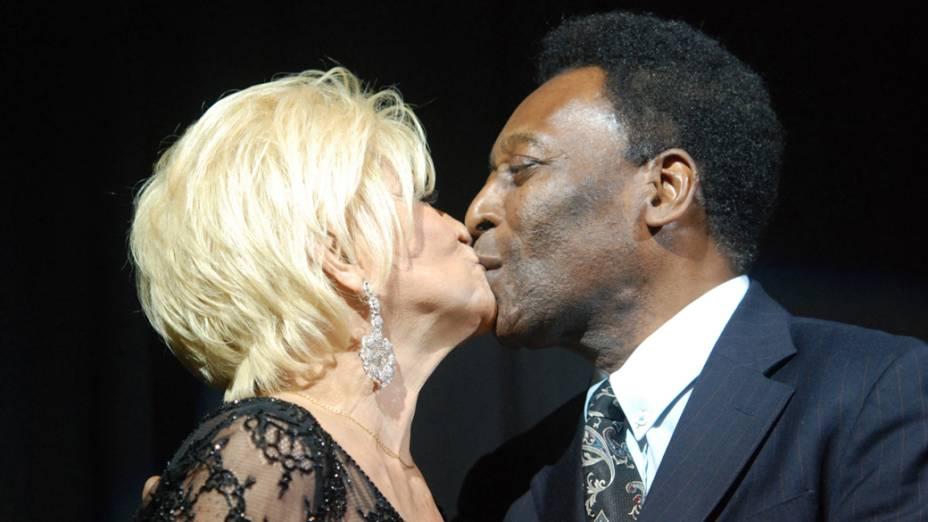 Hebe com Pelé, em 2010