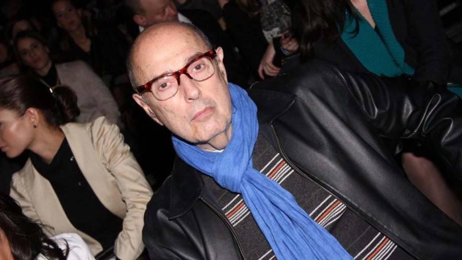 No melhor estilo blasé, o cineasta Hector Babenco