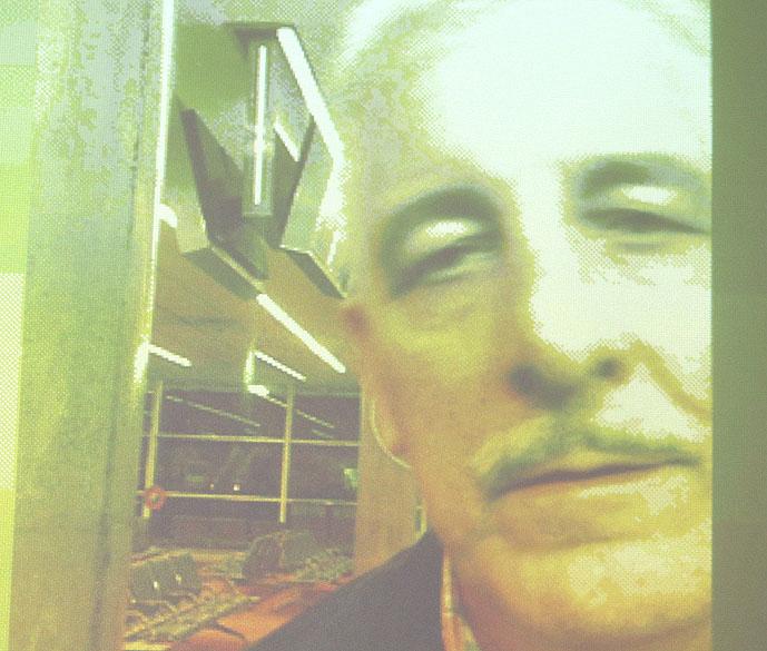 Henrique Pizzolato é flagrado pela câmera de segurança do aeroporto de Ezeiza, em Bueno Aires, Argentina, quando fugia do Brasil