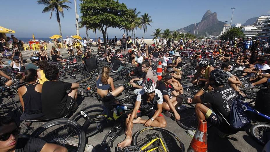 Homenagem ao ciclista Pedro Nicolay, que morreu após ser atropelado por um ônibus