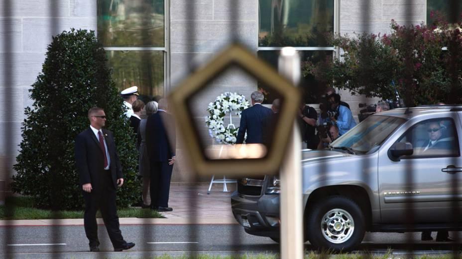 Ex-presidente George W. Bush chega ao Pentágono para a cerimônia de homenagem as vítimas do 11 de Setembro, em Washington