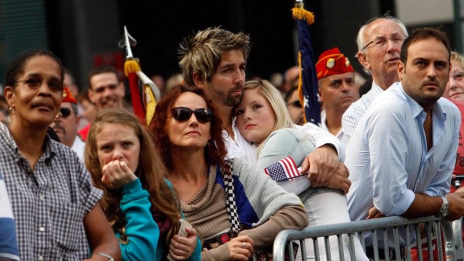 Familiares e amigos das vítimas do 11 de Setembro assistem a cerimônia de inauguração do memorial, em Nova York