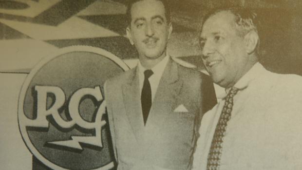 Homero Silva e Francisco Assis Chateaubriand, na cerimônia de estréia da primeira transmissão da televisão brasileira, pela TV Tupi