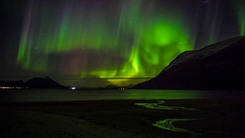 Aurora boreal é vista em Tromso, no norte da Noruega