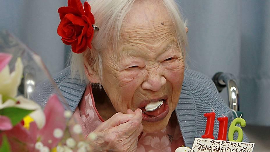 Misao Okawa, mulher mais velha do mundo, completou 116 anos em uma casa de repouso, em Osaka, no Japão