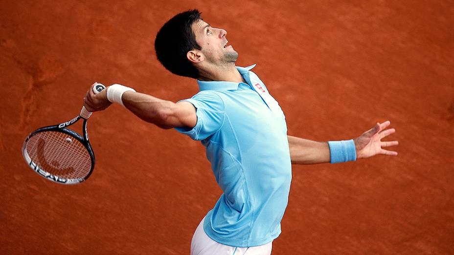 Novak Djokovic na partida contra o francês Jeremy Chardyno torneio de Roland Garros