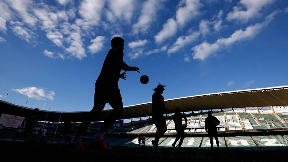 Jogadores da seleção australiana de Rugby durante treino no estádio de Sydney