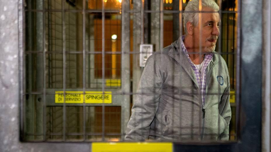 O ex-diretor de Marketing do Banco do Brasil Henrique Pizzolato, que fugiu do Brasil após ser condenado no julgamento do mensalão, deixou a prisão de Modena, na Itália, na terça-feira (28/10), após a justiça italiana ter negado o pedido de extradição feito pelo governo brasileiro. Pizzolato, que tem dupla cidadania, estava preso desde fevereiro
