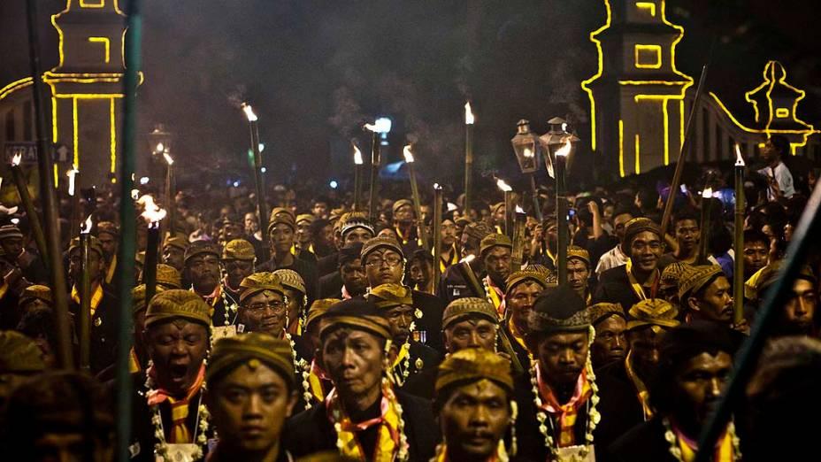 Javaneses comemoram o Ano Novo na cidade de Solo, na Indonésia