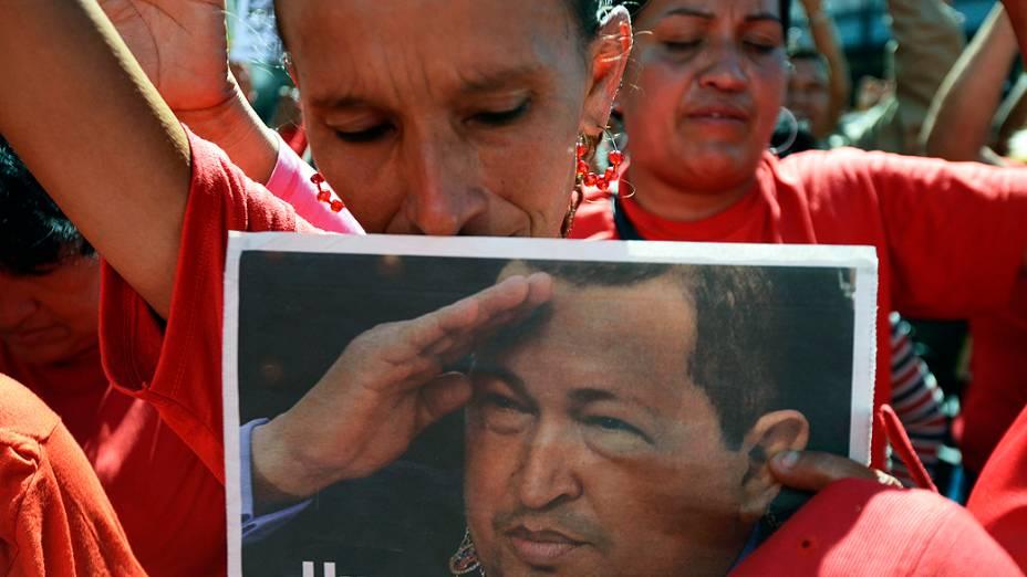 Simpatizantes do presidente Hugo Chávez durante manifestação, em Caracas