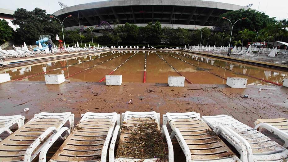 Vista das dependências do estádio do Morumbi na manhã desta sexta-feira, após forte temporal que atingiu a capital paulista no fim da tarde de ontem (14). Inúmeros estragos foram registrados no interior do clube e nas ruas da região