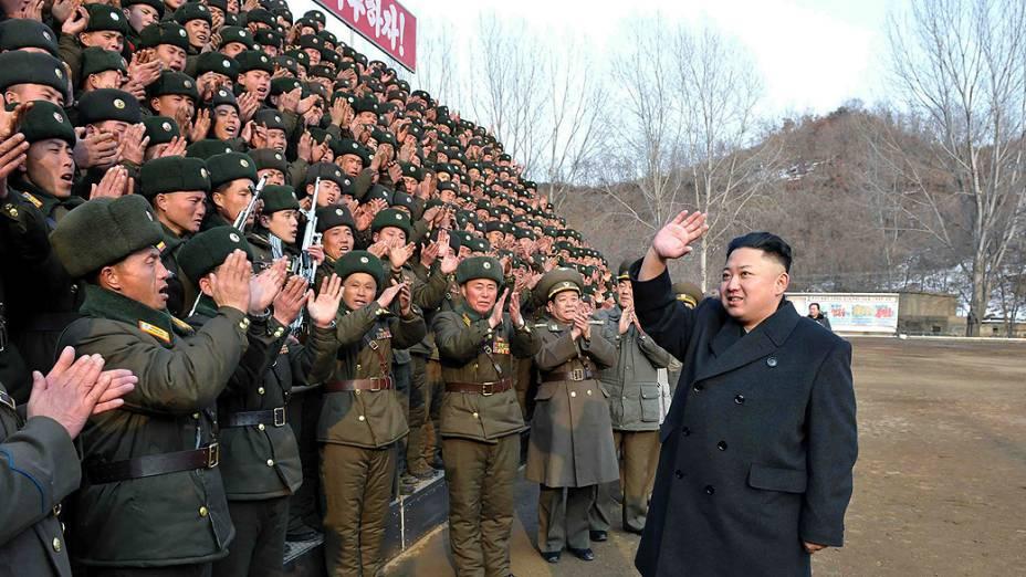Líder norte-coreano, Kim Jong-un, visita unidade do Exército Popular da Coreia do Norte em Pyongyang