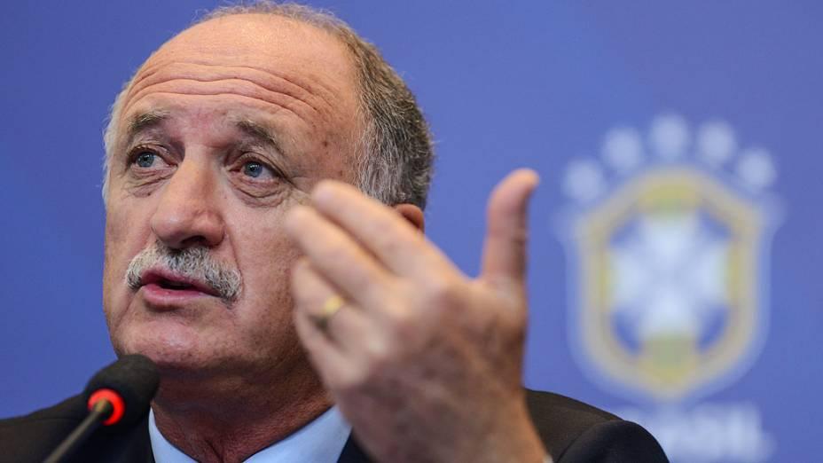 O técnico Luiz Felipe Scolari convocou nesta terça-feira a Seleção para os amistosos contra a Itália e a Rússia