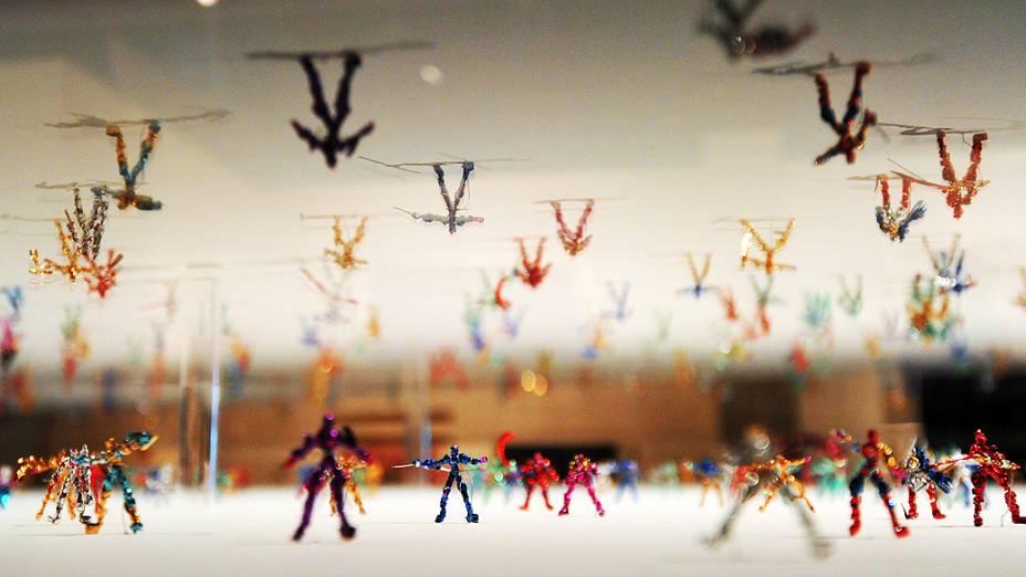 Obra do artista japonês Shota Katsube exibida em Londres durante mostra de artistas alternativos do país oriental na Inglaterra