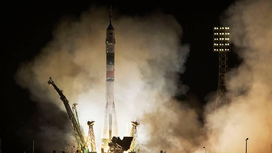 Nave espacial russa Soyuz TMA-08M decola sem problemas e em tempo recorde hoje na plataforma de lançamento, no Cosmódromo de Baikonur, no Cazaquistão