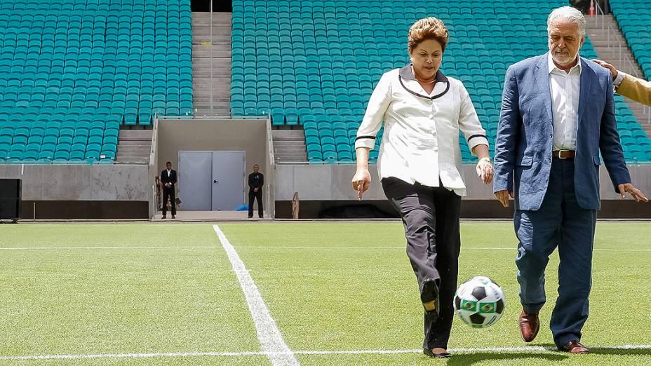 A presidente Dilma Rousseff durante a inauguração da Arena Fonte Nova, em Salvador(BA), que deve receber jogos da Copa das Confederações de 2013 e da Copa do Mundo de 2014