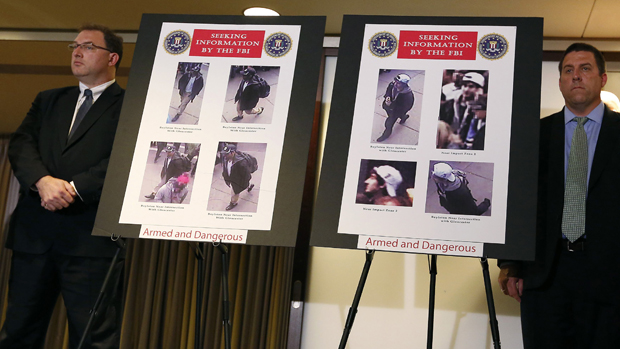 FBI divulga foto dos suspeitos do atentado durante a Maratona de Boston