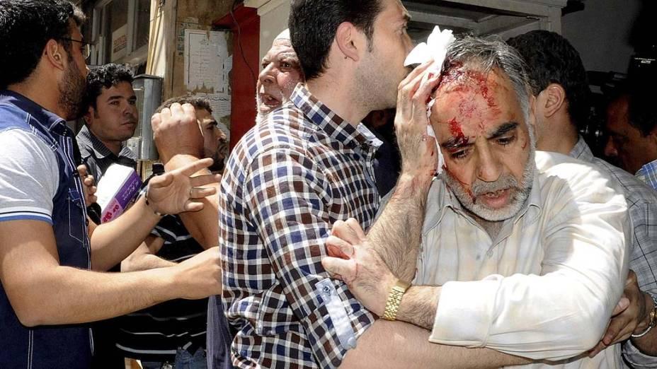 Carro-bomba explode em Damasco, na Síria e deixa 13 mortos e 70 feridos