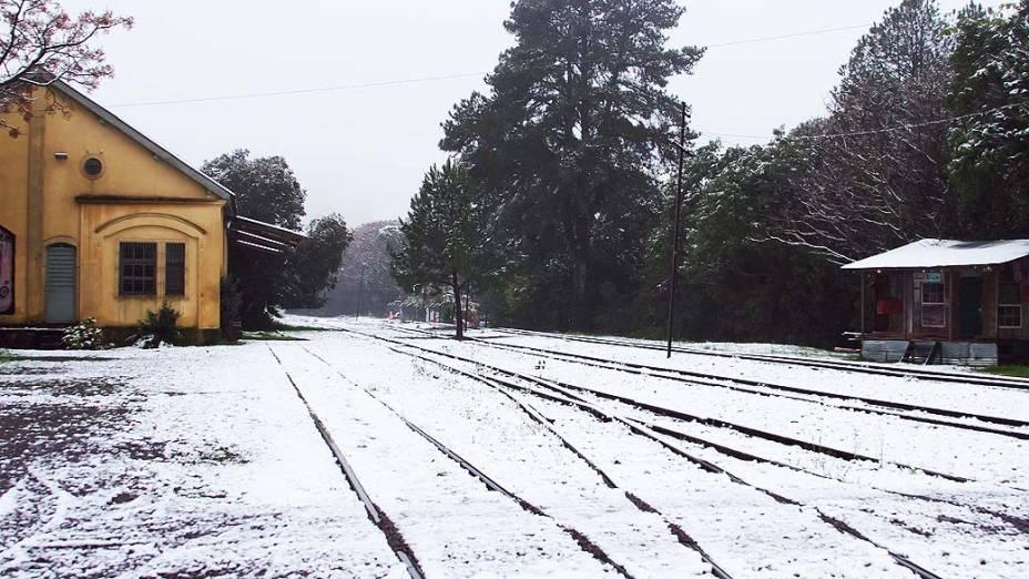 Neve na cidade de Caxias do Sul (RS), na manhã desta terça-feira (27)