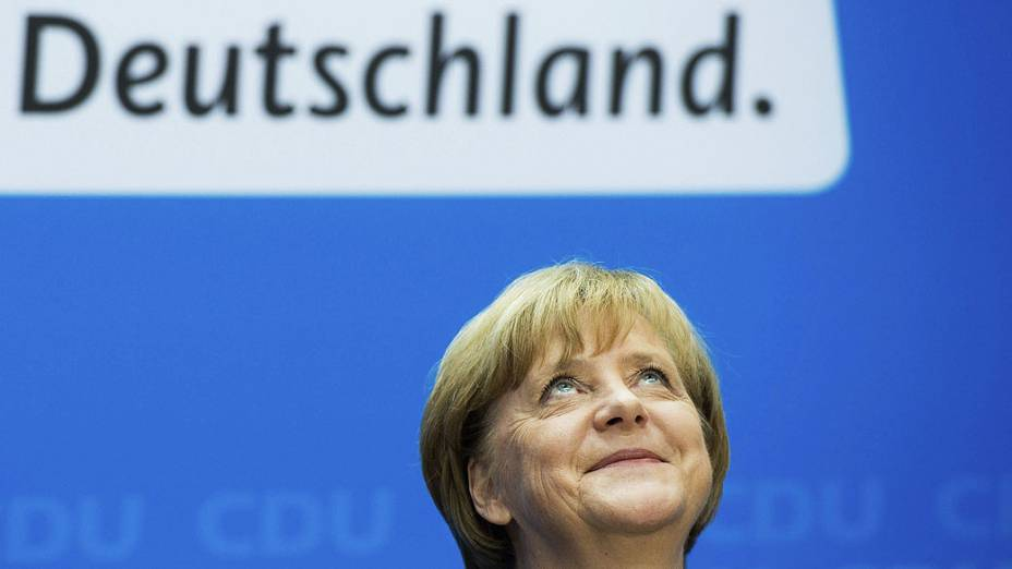 Chanceler alemã, Angela Merkel falou com os jornalistas após reunião de seu partido, União Democrata Cristã (CDU), em Berlim