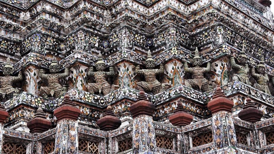 O edifício Wat Arun, um dos mais representativos da cultura tailandesa fechará as portas para um período de restauração que levará três anos