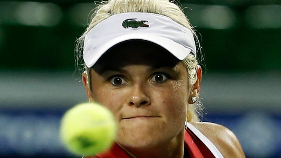 A canadense Aleksandra Wozniak durante torneio de tênis em Tóquio, no Japão