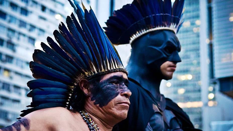 Indígenas realizam protesto em frente à sede da Petrobras no centro do Rio de Janeiro, nesta sexta-feira