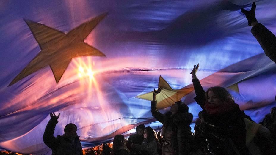 Em Kiev, estudantes participam de comício a favor da integração da Ucrânia à União Européia