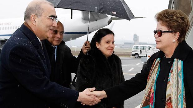 Dilma desembarca em Zurique para participar do Fórum Econômico de Davos, na Suíça