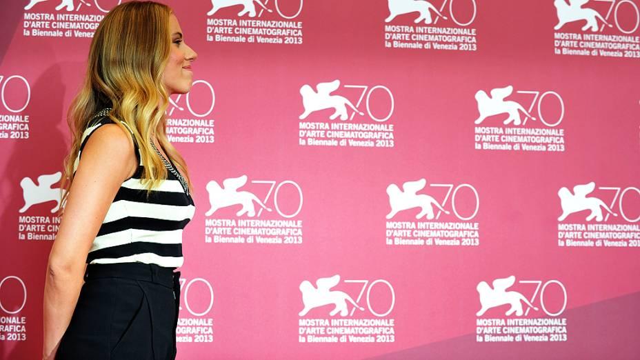 Scarlett Johansson chega no 70 º Festival Internacional de Cinema de Veneza na Itália, nesta terça-feira (03)