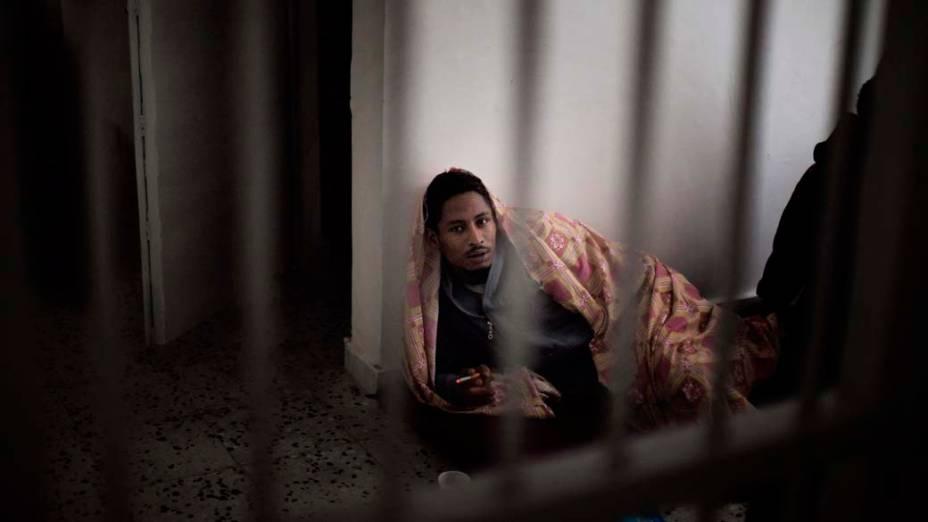 Imigrante na prisão Deida em Trípoli, Líbia
