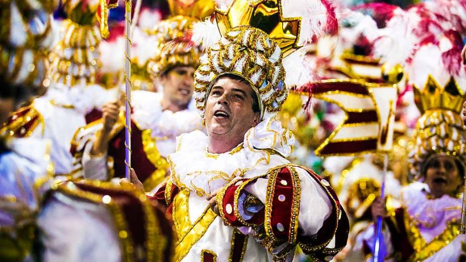 Desfile da Imperatriz Leopoldinense homenageou o ex-jogador Zicona segunda noite do carnaval carioca