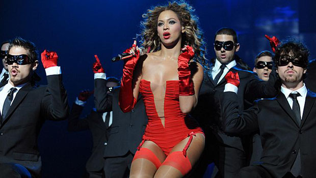 Cantora Beyoncé durante o MTV Europe Music Awards de 2009