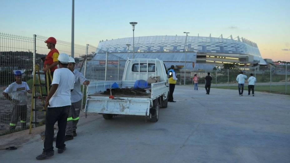 Os últimos preparativos para o primeiro jogo da Arena Pernambuco, entre Náutico e Sporting