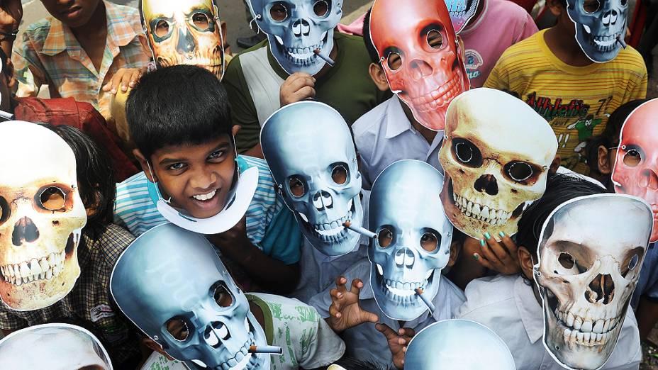 Crianças realizam passeata na Índia no Dia Mundial sem Tabaco