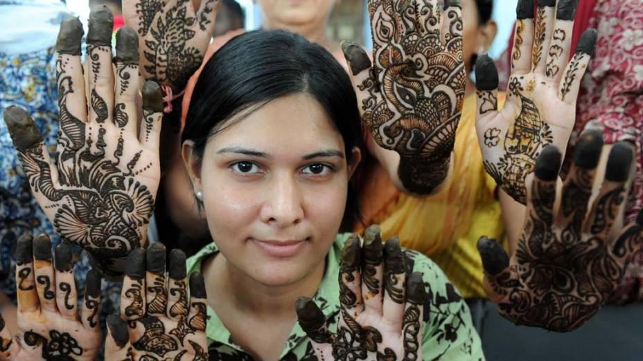 Pacientes na Associação de Cegos em Ahmedabad, Índia